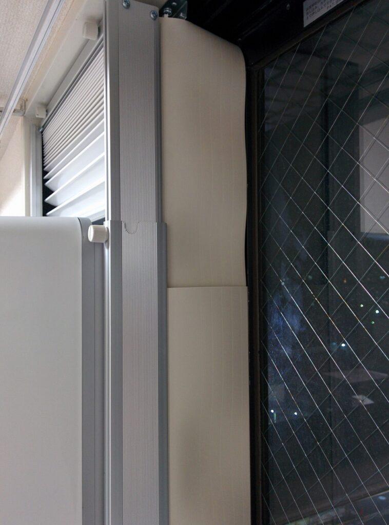 窓用エアコン窓の隙間